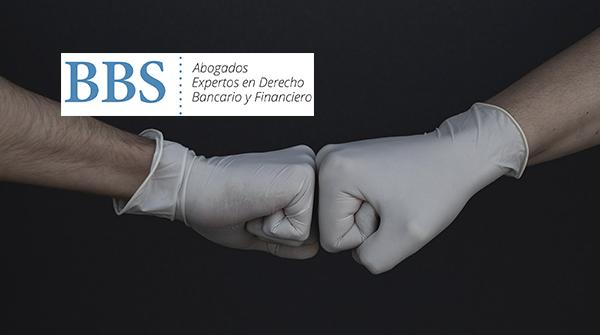 Manos con guantes sanitarios. BBS Abogados.